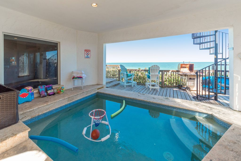Oceanfront heated swimming pool